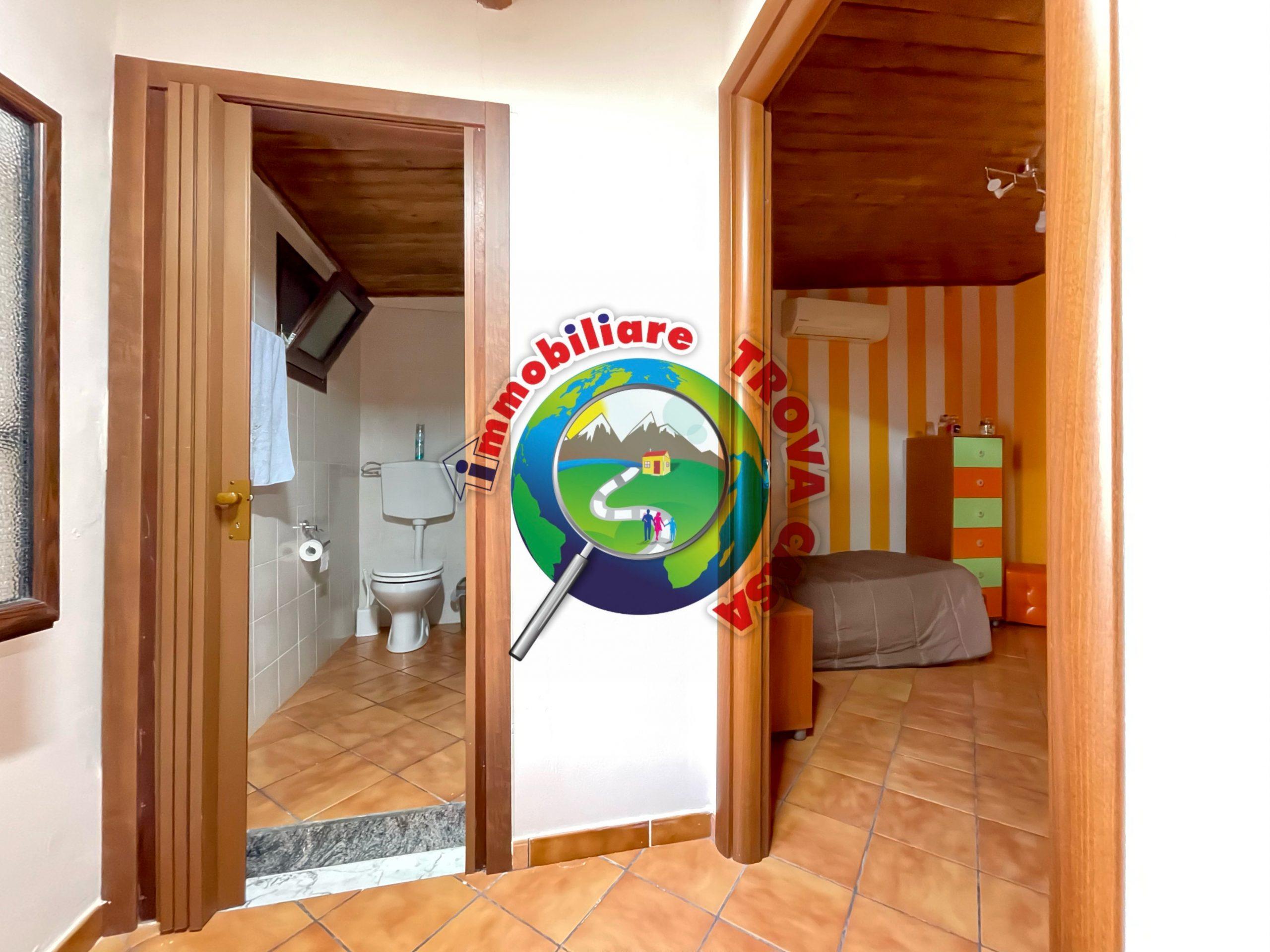 Appartamento su due piani a Partinico, Via Chiusa