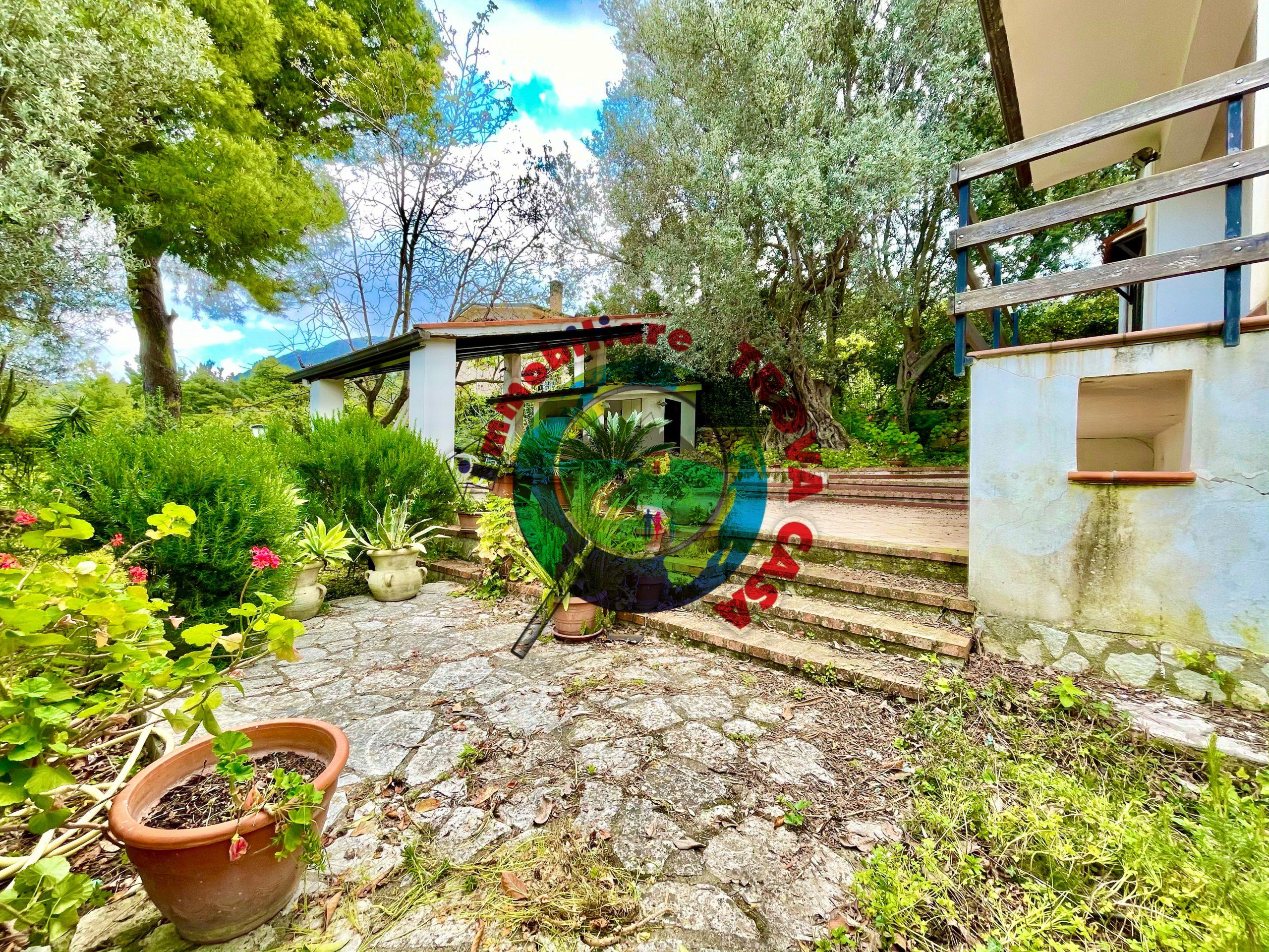 Villa a Partinico, Contrada Ramo