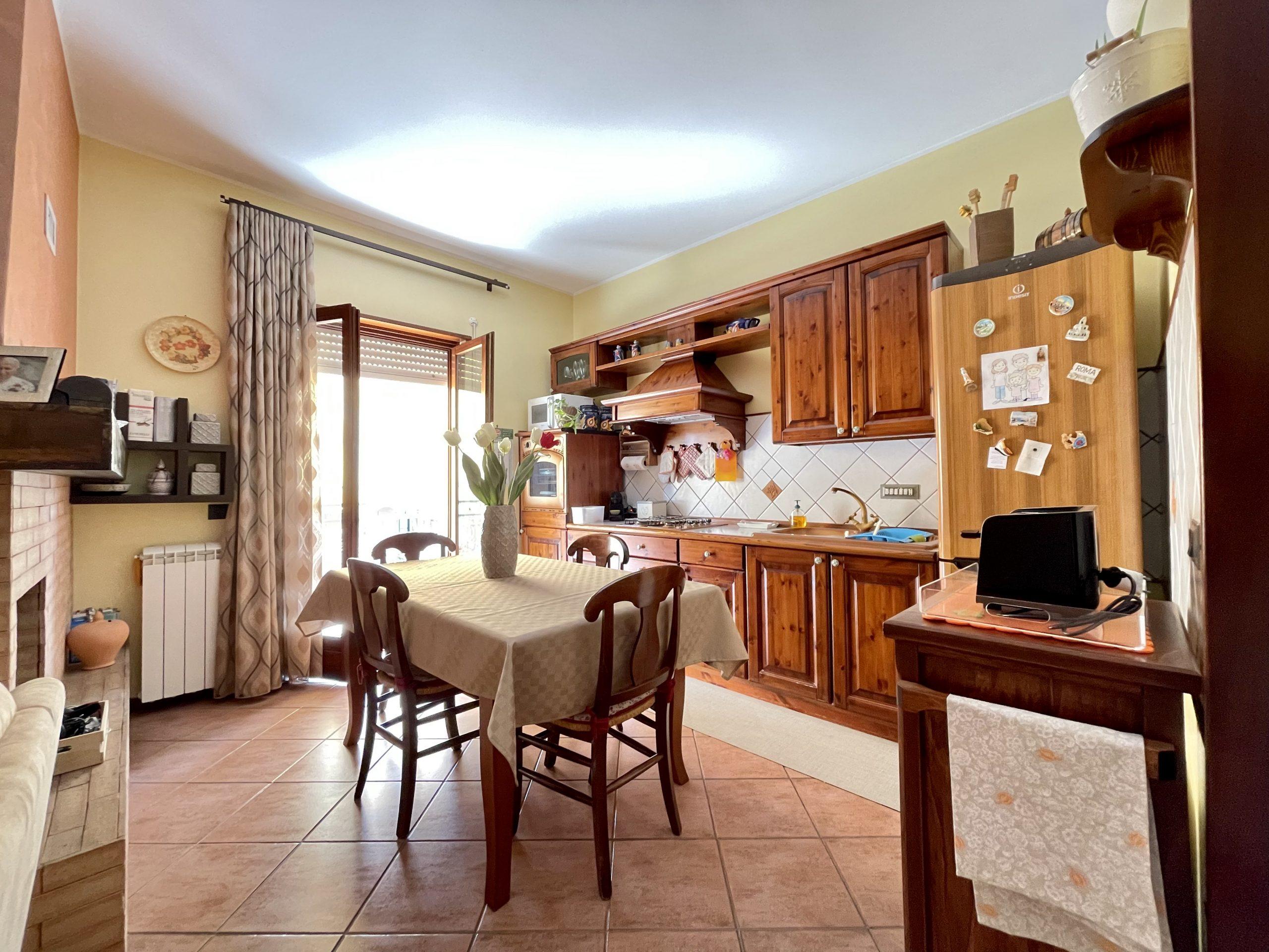 Appartamento a Partinico, Via Baldassare Sgroi