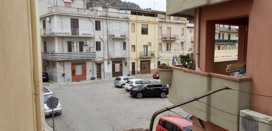 Casa indipendente a Partinico, Via Ragona